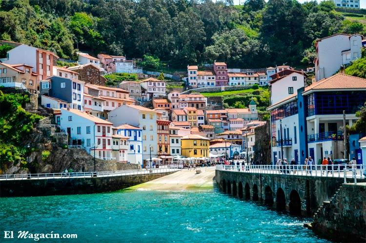 Cudillero (Asturias) El Magacín.