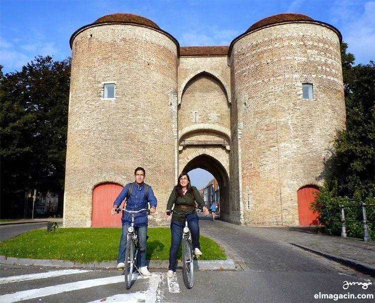 Puerta de Damme en Brujas. El Magacín.