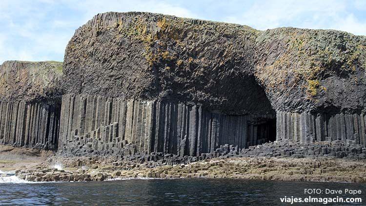 Fingal's cave Staffa Escocia