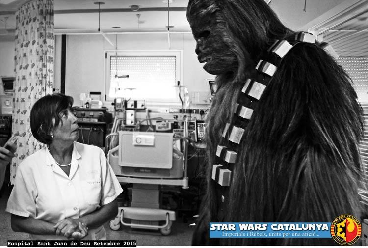 Visita de la asociación Star Wars Cataluña al hospital Sant Joan de Deu