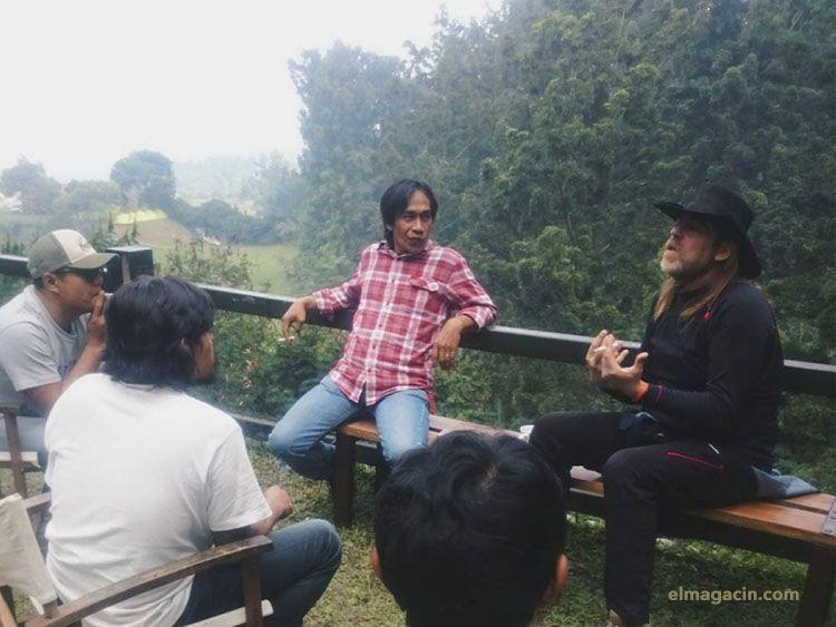 Reunión para el festival en Tanakita Camp, Sukabumi, Indonesia. El Magacín.