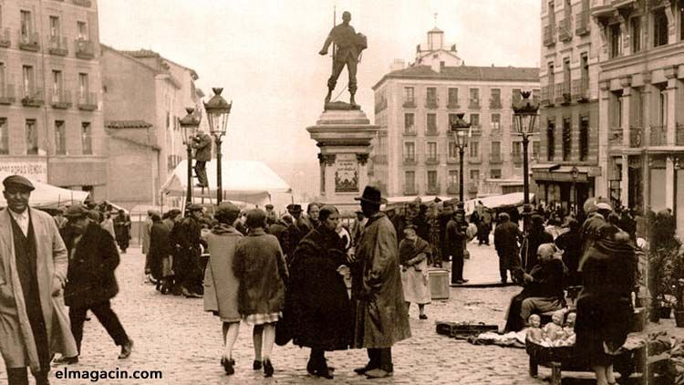Plazas de Cascorro en la Ribera de Curtidores en Madrid. El Magacín.