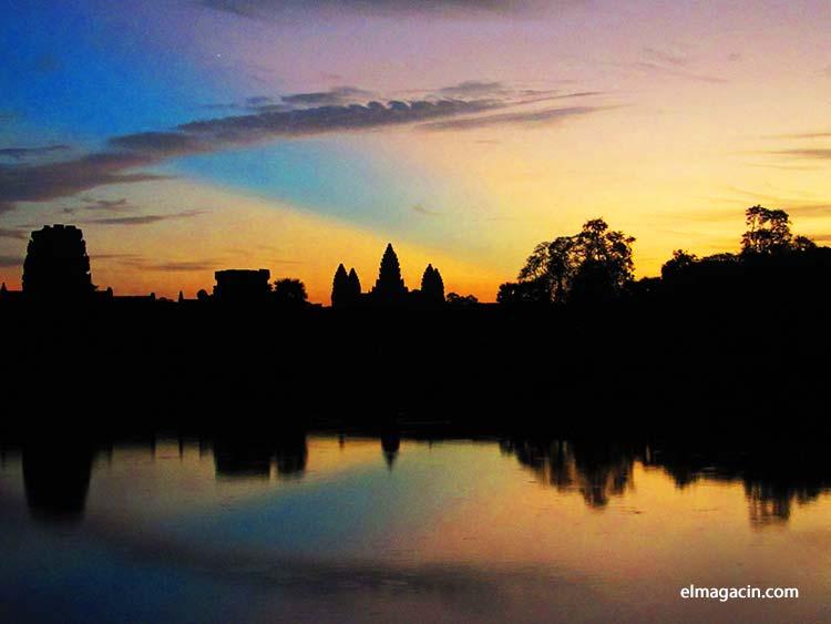 Puesta de sol en Angkor Wat. El Magacín.