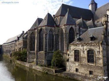 Sint-Baafsplein o Catedral de Gante. El Magacín.
