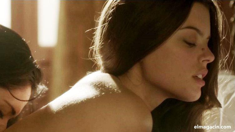 Adriana Torrebejano desnuda en una escena.