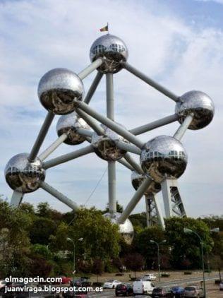 Atomium realizado para la Exposición Universal de Bruselas. El Magacín.