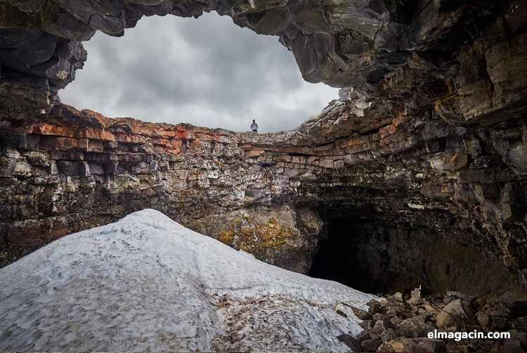 Cueva de Víðgelmir en Hallmundarhraun (Islandia)