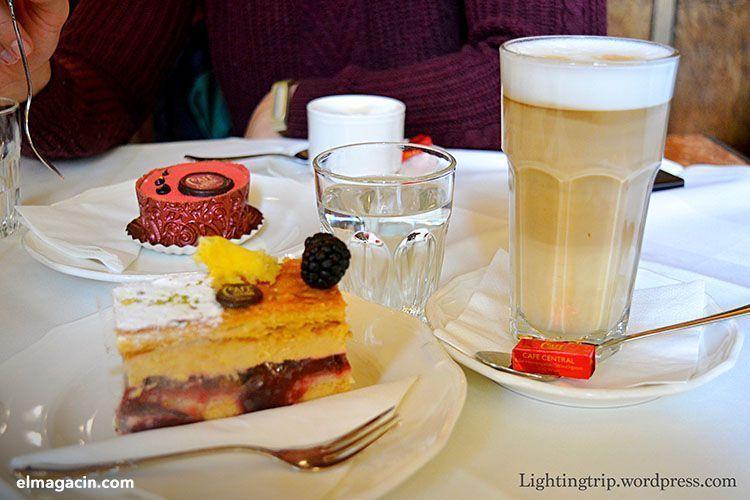 Desayuno en Cafe Central. El Magacín.
