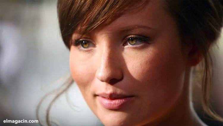 Emily Browning, actriz australiana. El Magacín.
