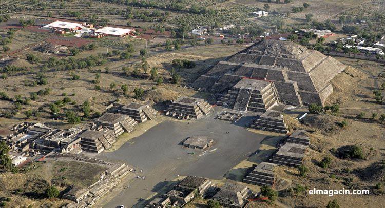 Fotografía aérea de Teotihuacán. El Magacín.