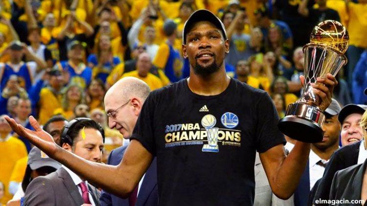 Kevin Durant. Uno de los 20 jugadores que más ingresan al año.