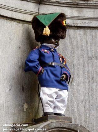 Manneken Pis la estatua más famosa de Bruselas. El Magacín