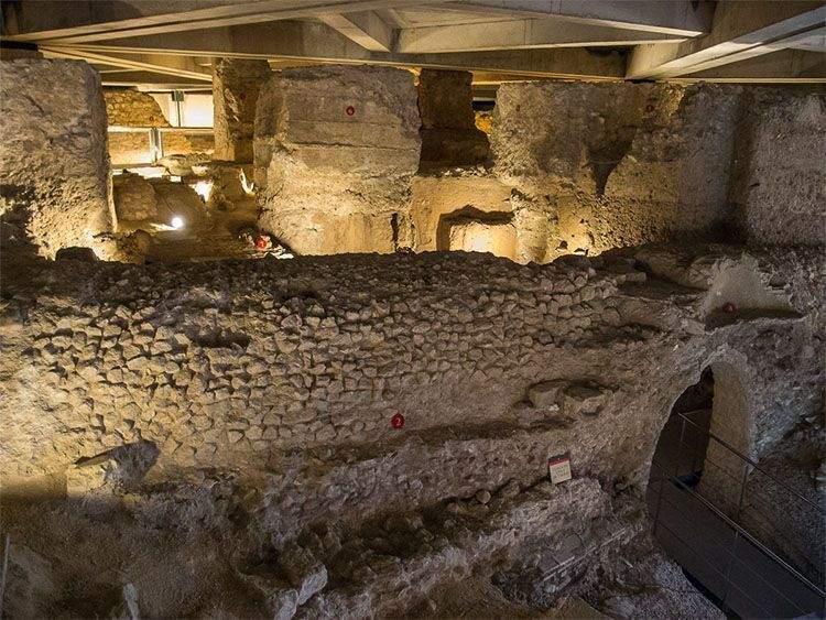 Restos alcantarillado de Caesar Augusta en el Museo del Foro Romano de Zaragoza
