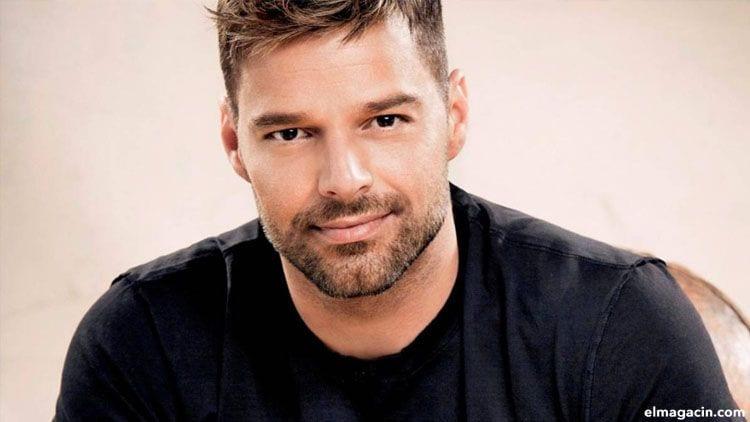 Ricky Martin. Cantantes hombres guapos de 2021