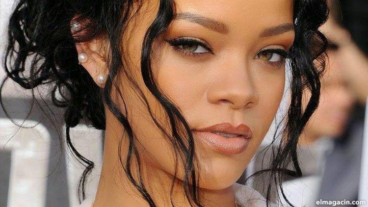 Rihanna. Cantantes famosas y guapas del mundo.