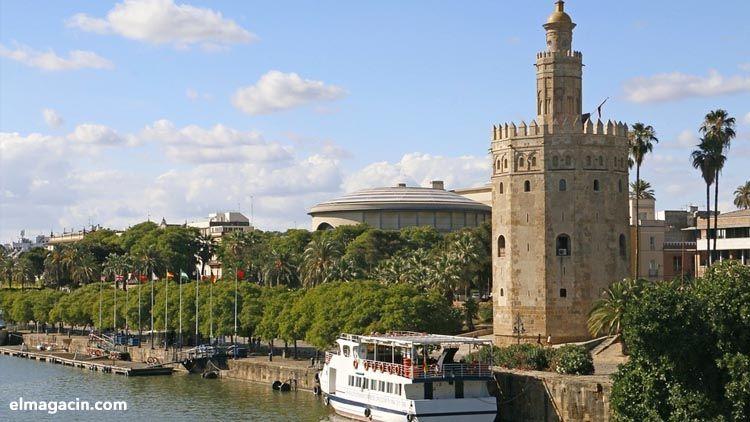 Sevilla también tiene un color especial en invierno. El Magacín.