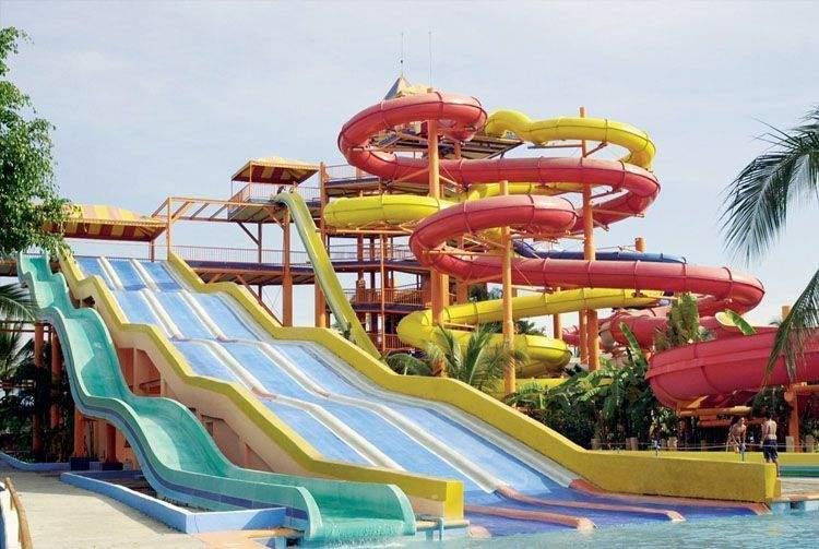 Toboganes de Aquaventuras Park