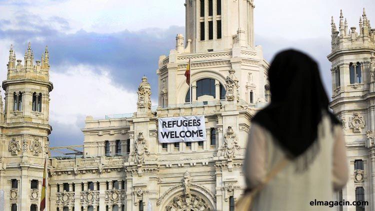 Ayuntamiento de Madrid. Pancarta de bienvenida a los refugiados.