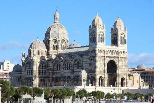 5 catedrales e iglesias bonitas de Europa para visitar en el verano de 2021