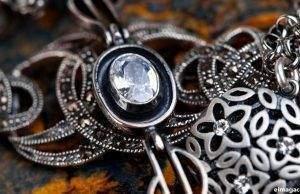 Cómo limpiar joyas de plata en casa fácilmente