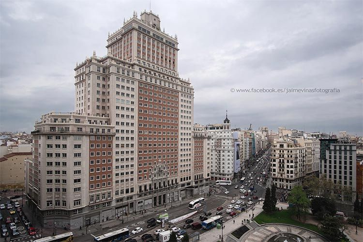 Edificio España. El Magacín.