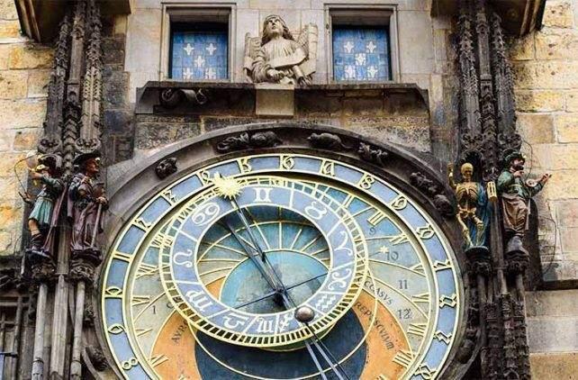 El tiempo en Praga lo marca este bello reloj
