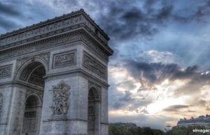 El Arco del Triunfo vio al navarro coronarse como ganador del Tour cinco veces seguidas