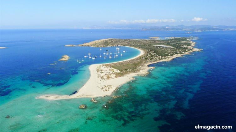 Formentera hotels and beaches.