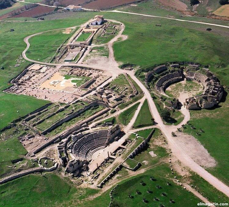 Primeros restos desenterrados de la ciudad romana de Segobriga (Cuenca)