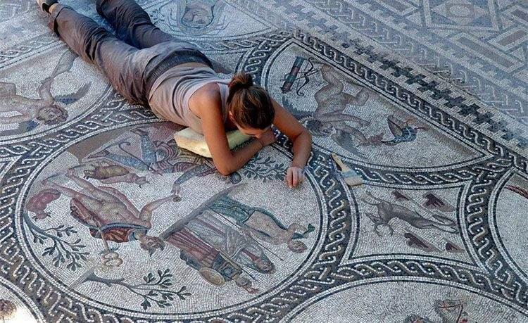 Mosaico romano de Cástulo (Linares) similar a los que había en Toletum