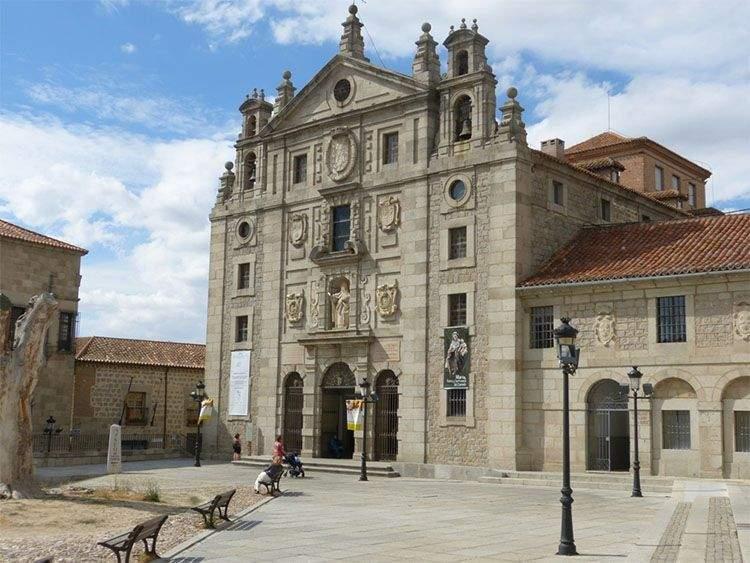 Iglesia y Museo de Santa Teresa de Jesús