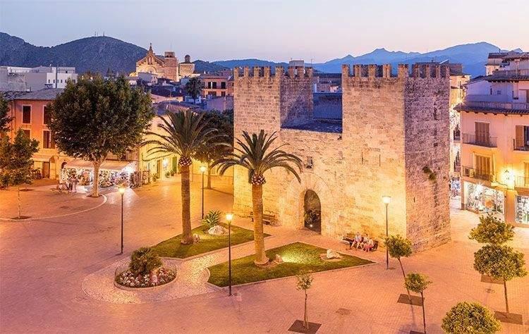Alcudia (en catalán Alcúdia) en Mallorca