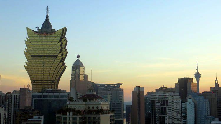 Puesta de sol desde la fortaleza de Macao. El Magacín.