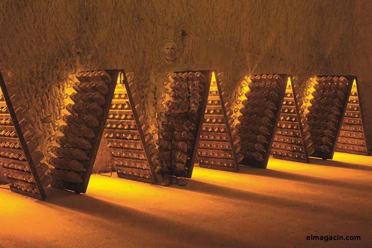 Ruinart Liu Bolin invisible hands exhibition. El Magacín.